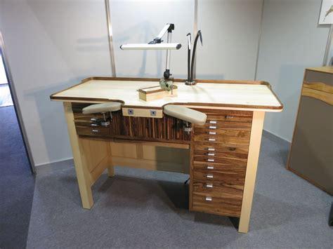 Sedarca, fabricant suisse de chaises et tables, établis d