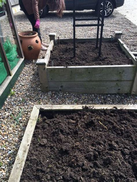 how much soil for raised bed how much soil to fill a raised bed