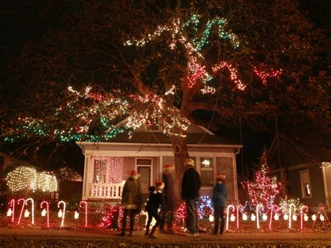37th street christmas lights austin 10 quintessential austin activities for the holiday season