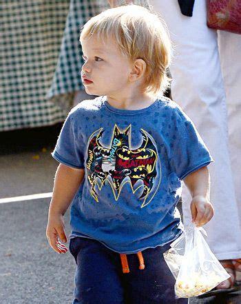 Kaos T Shirt Batman Affleck pic ben affleck s samuel wears batman t shirt
