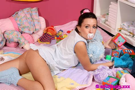 Rabbit Top 39312 baby where s your baby diapers and