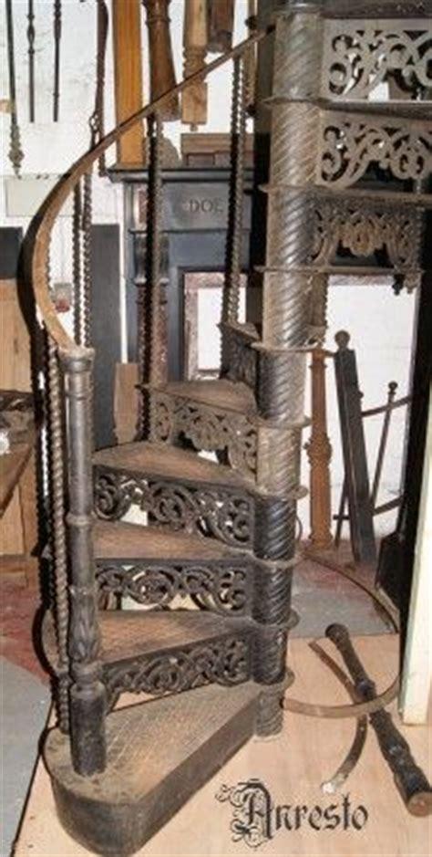 wenteltrap oud 25 beste idee 235 n over ijzeren trap op pinterest trap