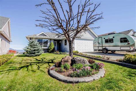 new listing 2409 abbeyglen way aberdeen kamloops bc