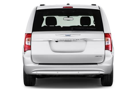 chrysler town and country canada 2016 chrysler town country reviews and rating motor