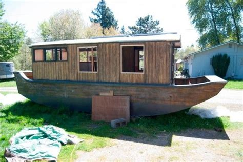 houseboat construction 13 best images about shanty houseboat on pinterest