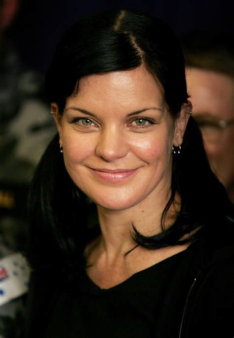 celebrity pics for whatsapp dp pauley perrette profile pics dp images whatsapp images