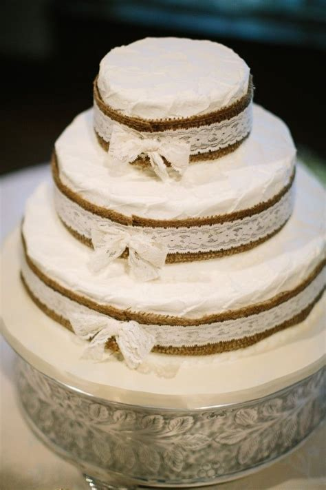 102 best images about Cakes   Burlap and Lace on Pinterest