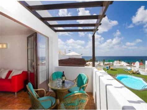 2 bedroom apartments puerto del carmen lanzarote columbus 5a 2 bed holiday rental apartment in puerto del