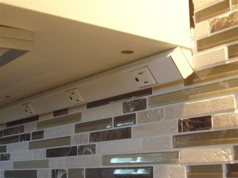 Kitchen Cabinet Outlet by Cabinet Outlets Gfci Bruin