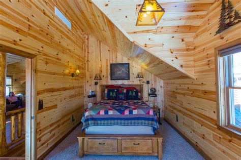 how to make wood paneling work how knotty pine paneling can work for you