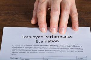 write effective employee performance reviews