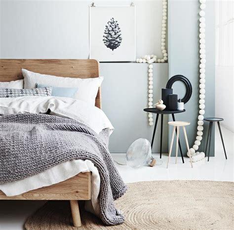 dekorieren eines blauen schlafzimmers runde sache nat 252 rlich geschwungene formen im