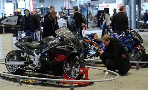 model motosikletler  yorkta goeruecueye cikti