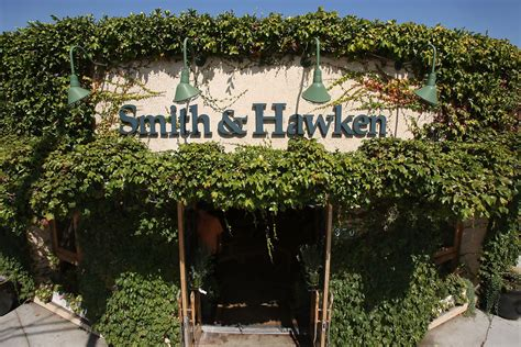 garden retailer smith and hawken to shut stores zimbio - Smith And Hawken