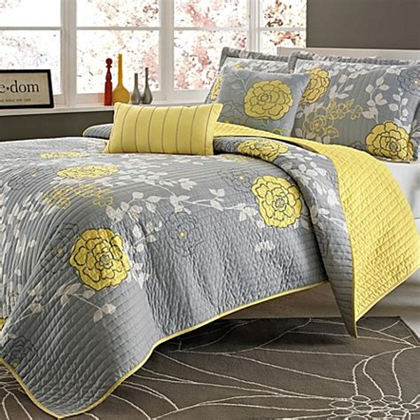 bed bath beyond quilts ella 4 piece twin twin xl quilt set bed bath beyond
