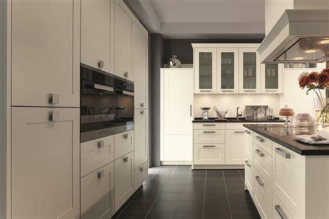 kücheninseln mit hockern wohnideen kinderzimmer lila