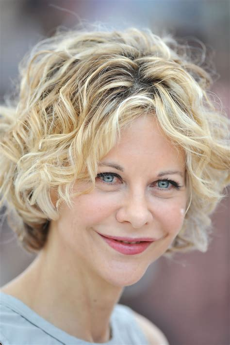 how to curl hair like meg ryan how to get meg ryans hairstyle from the photcall