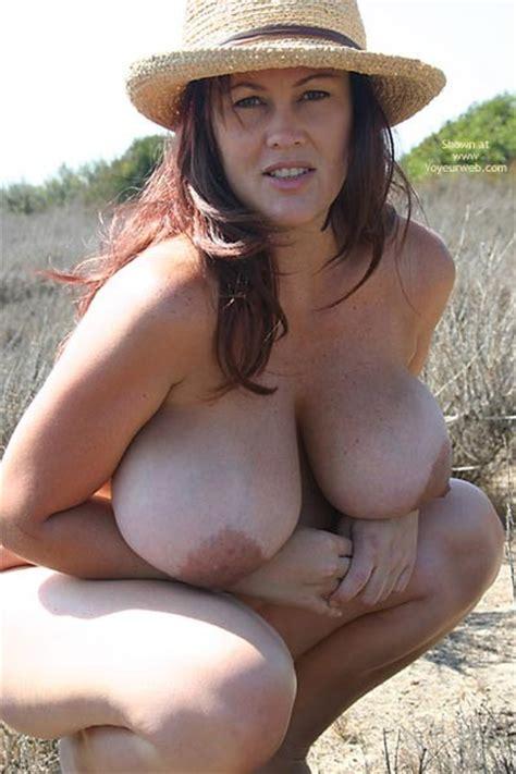 Amateur Hayden Aka Mona Lisa Buxom Pregnant Beauty Voyeurweb Low Q