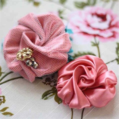 Handmade Fabric Flowers Tutorial - how to make a bracelet with a fabric flower diy tutorial