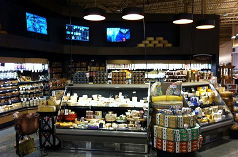 marianos opens huge crowd is happy with new area grocer hours