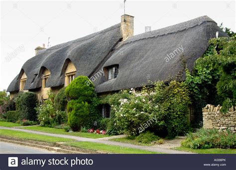cottages in chipping cden beautiful thatched roofs cottage honington