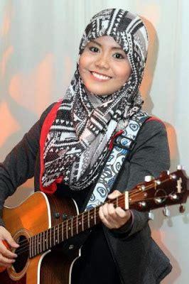 cara bermain gitar najwa latif video cara pakai tudung macam najwa latif
