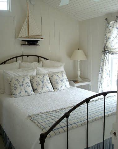 9 cozy cottage bedrooms completely coastal