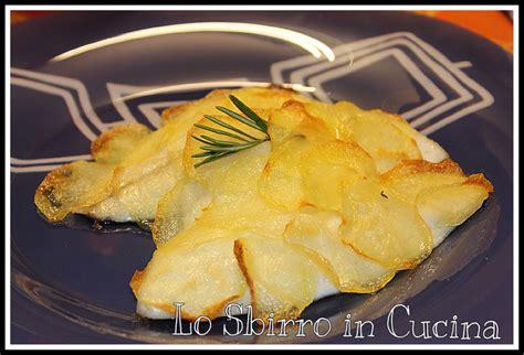 ricette per cucinare la spigola branzino in crosta di patate spigola la cucina dello