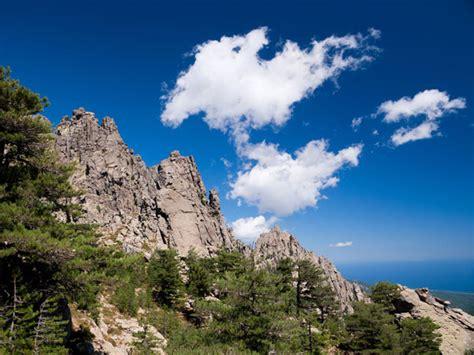 robuuste wandlen wandelen langs de gr20 in corsica op vakantie in de natuur