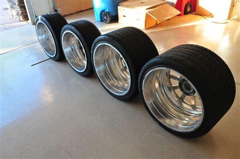 Bugatti Veyron Tires by αυτές οι ζάντες της Bugatti Veyron είναι ευκαιρία με 30