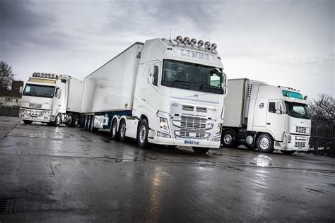 volvo truck 500 liner transport selects volvo fh 500 for amazing reliability