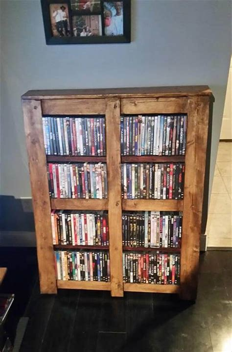 wooden pallet bookshelf 101 pallet ideas