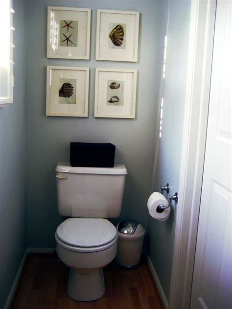 Half Bathroom Design by 17 Best Ideas About Small Half Bathrooms On