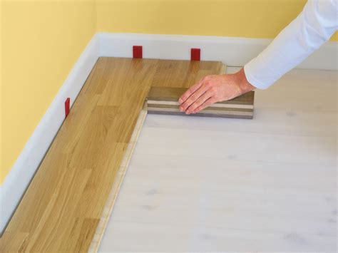 Installing Click Lock Flooring by How To Install Click Lock Laminate Flooring How Tos Diy