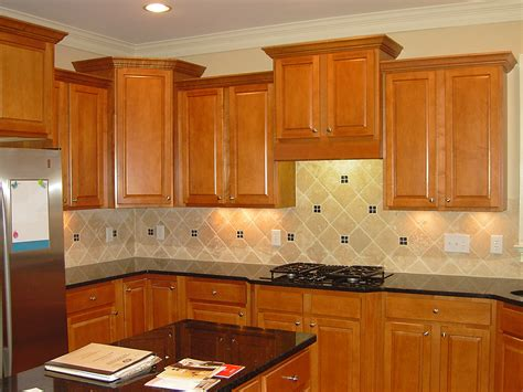 Best Color Countertop For Oak Cabinets by Fabulous Oak Cabinets With Granite Countertops And Color