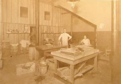 Postcards Amp Photos Antique Photo Factory Workshop Man