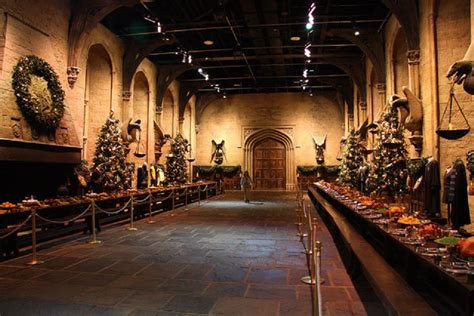 Grimmauld Place Floor Plan hogwarts great hall hosting christmas dinner for dozens of