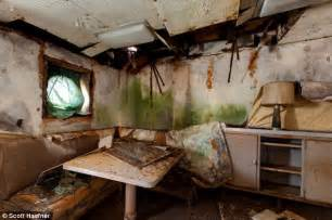 Ww2 Bedroom by The Ghost Ships Of Mothball Fleet Pictures Of