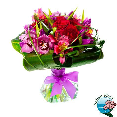 mazzo di fiori per una ragazza mazzo di tulipani e