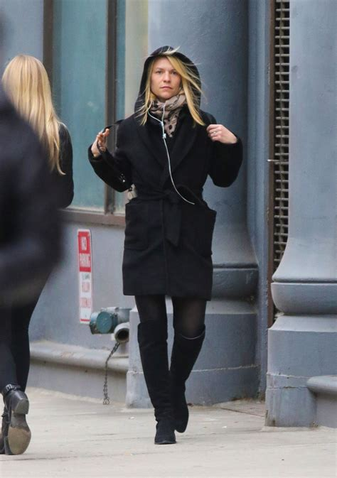 claire danes style claire danes street outfit new york city 4 29 2016