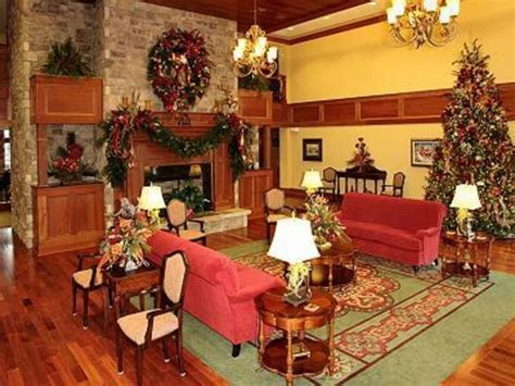 country homes and interiors christmas country christmas decorating ideas the uniqueness of the