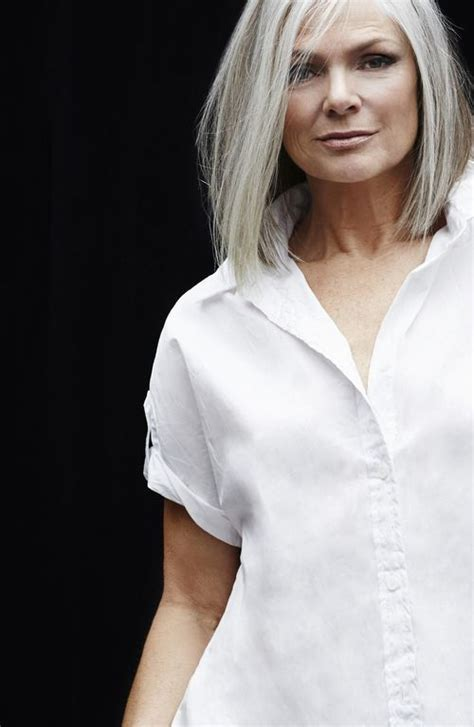 long bob haircut pale skin 61 best grijs haar met highlights images on pinterest