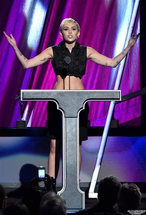 Fame Miley Cyrus miley cyrus 2015 rock and roll of fame induction