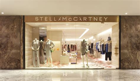 stella mccartney opens   standing boutique   hilton shopping gallery  singapore