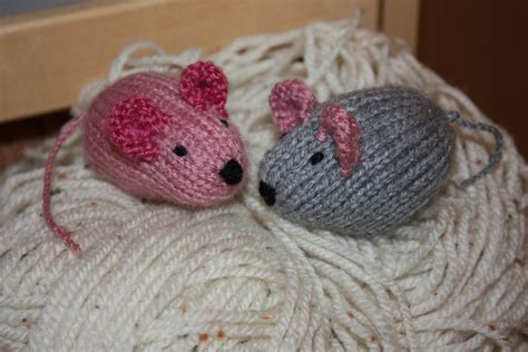 mouse knitting pattern knitted mice gizmo and stitch