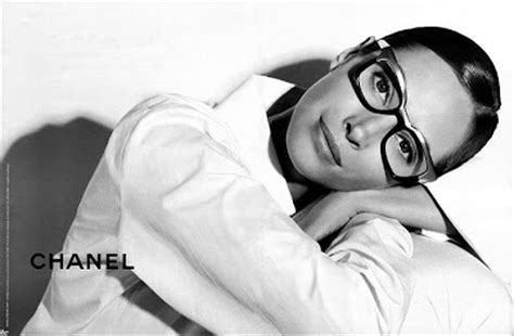 K By Karl Lagerfeld The 2008 Advertising Caign by Turlington By Karl Lagerfeld For Chanel Eyewear Ss08