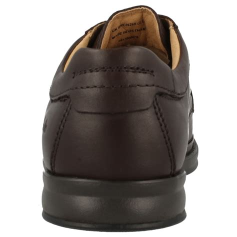 mens clarks wide fitting lace up leather shoes scopic way