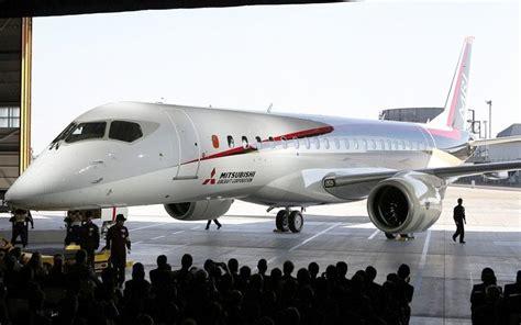mitsubishi jet mitsubishi regional passenger jet takes flight