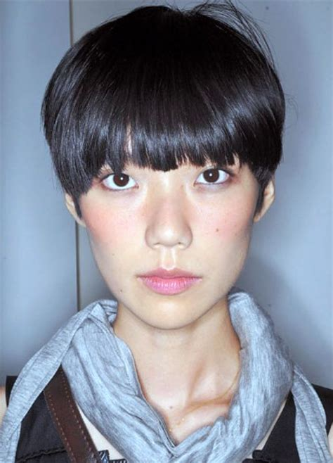 return of the bowl haircut daily makeover 23 best images about bowl hairstyles on pinterest