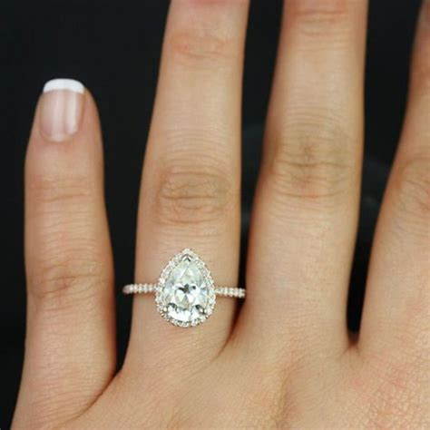 Pear Shaped Engagement Ring by Best 25 Pear Engagement Rings Ideas On Pear